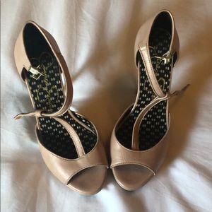 Jessica Simpson size 6 baby pink heels